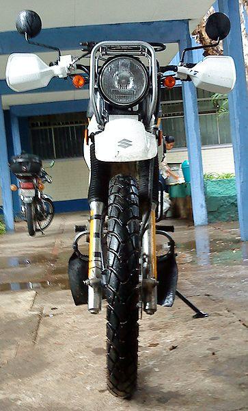Файл:Suzuki DR200.JPG